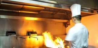 Ζητείται γυναίκα για ζέστη κουζίνα στην Τριανδρία, Θεσσαλονίκη (31-5-19)