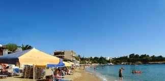 ΠΑΚΟΕ: Κατάλληλα και ακατάλληλα νερά κολύμβησης σε 345 παραλίες εκτός Αττικής
