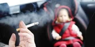 Γερμανία: Πρόστιμο 100 ευρώ σε καπνιστή που πέταξε γόπα από το αυτοκίνητο του